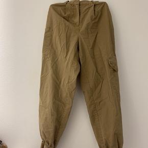 Sælger disse fede army bukser fra Nakd. Jeg får dem desværre ikke brugt. Dermed nærmest som nye.