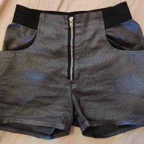 Units tøj til piger