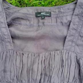 Ikke brugt ret meget  Tunika silke Farve: Mørk lavendel lilla