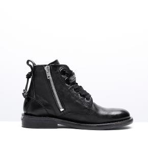 Fine støvler fra Zadig. Brugt, men stadig i super fin stand :-)