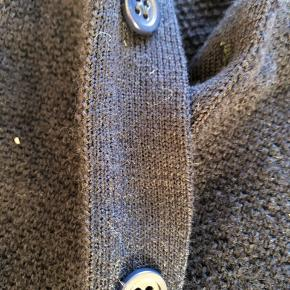 Strik cardigan i marineblå - 100% uld