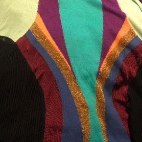 En utrolig lækker Italien bluse, aldrig brugt Cecilia Prado dejligt materiale.