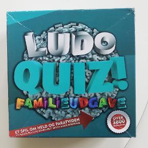 Super godt familie brætspil, ludo quiz 😀  Spillet er indtaget og intet mangler, dog har hjørnet fået lidt skrammer 😊