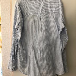 Stor blåstribet skjorte Fin stand