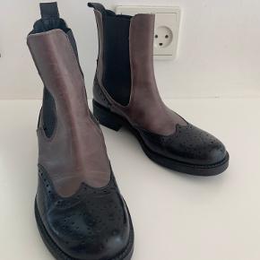 Merete Fonnesberg støvler
