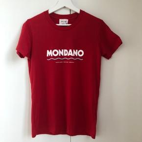 Wood Wood, rød eden t-shirt. Ny med tag. Ny pris 400kr.
