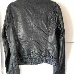 Look a like læder jakke, pæn som ny