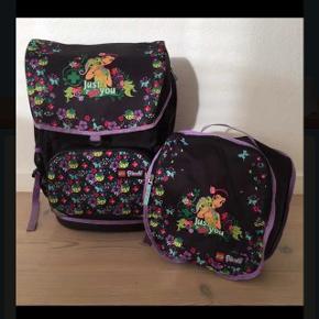 Flot skoletaske som ny og med gymnastikpose. Ny pris 849kr