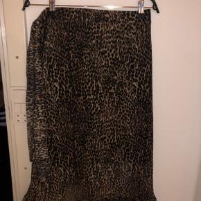 Leopard nederdele som kan bindes i siden