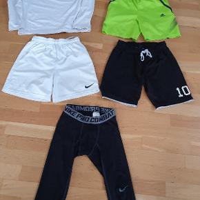 Blandet fodboldstøj  str 11 til 14 år   brugt men i fin stand  3 par shorts  1 sport bluse med rundt fleece og  et par løbebukser 3/4