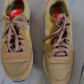 Nike sko 💛💛 Y2k, retro, vintage sko 🎀🎀