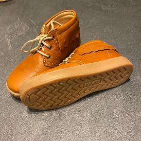 KAVAT sneakers