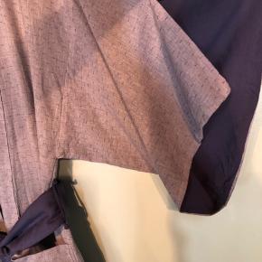Smuk Skovgaard kimono str S/M i bomuld. Flere billeder på Google.