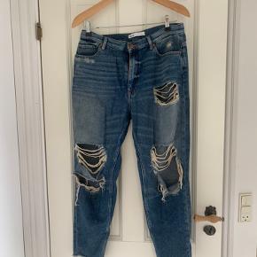 Boyfried ripped jeans, blødt denim, brugt kun få gange.