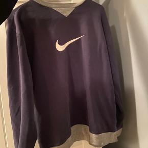 Sælger denne super fede vintage Nike sweater😚