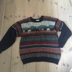 Flot vintage / retro sweater med heste  som passer en str M ca. Noget af garnet er en smule rynket. Ved ikke om den har været vasket. Dog giver det bare flot effekt.