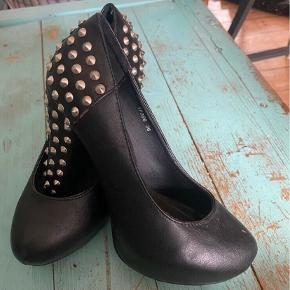 TREND heels