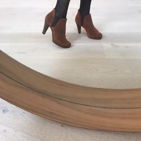Paul GREEN støvle. Passer også str 36. 2,5 i PG størrelser. Aldrig brugt udendørs. :-) byd gerne