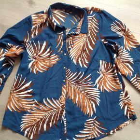 Fin skjorte som jeg aldrig har brugt.