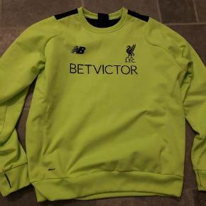 Varetype: Sweatshirt Farve: Ukendt Oprindelig købspris: 500 kr.  Liverpool FC træningstrøje