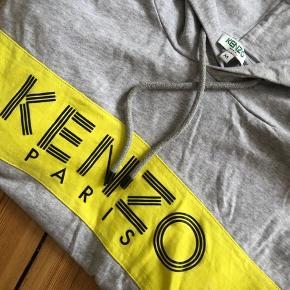 Kenzo hættetrøje   Str M men passes af en S   Byd
