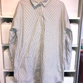 f93fee73 Lang skjorte/kjole fra Moves by Minimum Str 36 💕