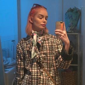 Vintage tweed jakke i god stand. Str M/L, jeg er selv en str S.