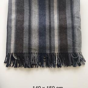Dejlig plaid fra Lexington. Hudson Collection. 100 % uld. Måler 160 x 135
