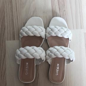 Shein sandaler