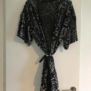 Magasin du Nord kimono