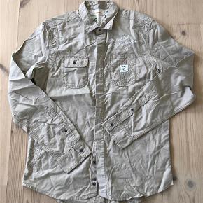 Varetype: Skjorte Farve: Sand Oprindelig købspris: 800 kr.