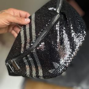 Adidas bæltetaske