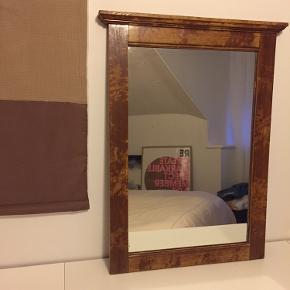 Ældre spejl med træramme 52x 76 cm