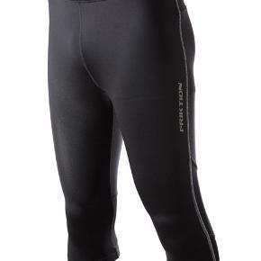 Helt nye herre capri tights i størrelserne fra XS til XXL. Stort parti på lager.  Mærke: Friktion