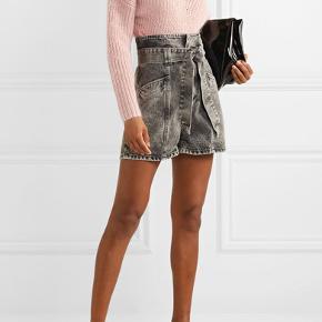 IRO 'voukko' paperbag shorts er et 'must-have denne vinter. Aldrig brugt og fra denne sæson. Nypris 2320 kr.