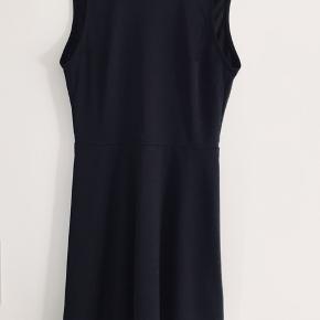 Sort kjole, brugt en enkelt gang