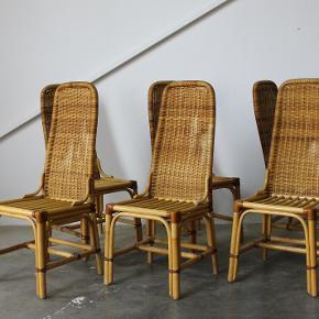 6x piv frække spisebordsstole i bambus og med kernelæder stropper. Står i patineret stand, på den gode måde.  Samlet pris 2800,-  Se evt mine andre annoncer for mere dansk design. Levering på strækningen Århus-KBH, samt hele Fyn.  Vintage. Retro.
