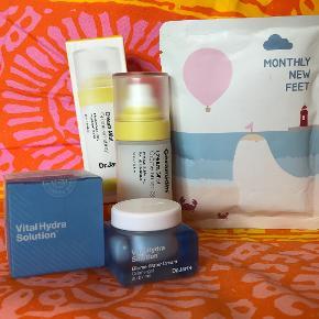 Beauty bundle fra Dr.Jart+ hudpleje cremer og Koreansk fødmaske købt i Sephora for mit job, aldrig brugt.