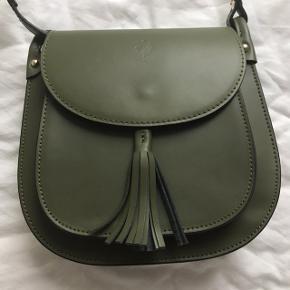 Smukkeste grønne taske fra Firenze. Lavet af 100% læder og one of a kind.
