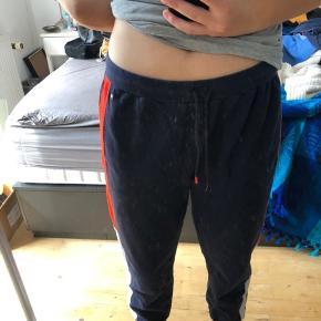 joggingbukser fra tommy hilfiger, de er for store til mig. købt i deres butik i USA