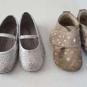 Søde små sko til piger, begge par er str. 23 Pom Pom og Kennedy  Begge par for 25 + forsendelse.