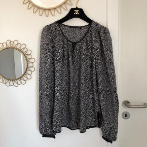 Så smuk Balenciaga silke bluse sælges!