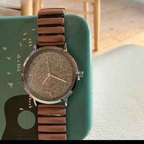 Giorgio Dario ur mega flot aldrig brugt splitten sidder i når den fjernes virker uret det er så fin
