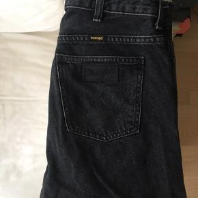 Wrangler jeans  Aldrig brugt  Str. W28 L32 BYD