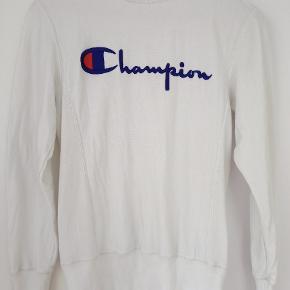 Retro Champion sweatshirt, size S.