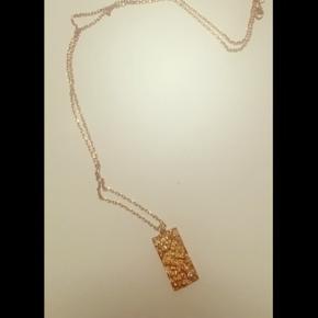 Anni Lu halskæde brugt få gange. Nypris 1000 kr. Ingen bytte;)