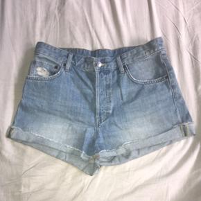 Shorts, brugt et par gange. Sælger da jeg har tabt mig
