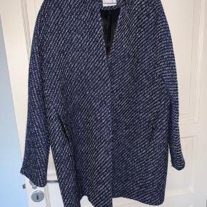 Fin jakke. Brugt få gange  BYD