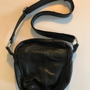 Nunoo taske i god stand