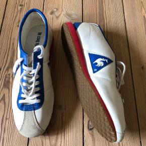 Fine les coq sportif sneakers i et retro design.  Kun brugt til sport. Har enkelte brugsspor i læderet og indvendigt.